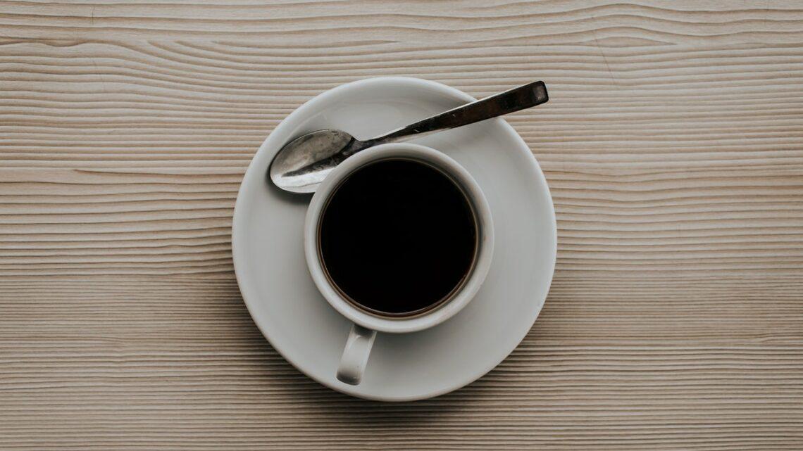 Macchine da caffé e proliferazione batterica: cosa si rischia